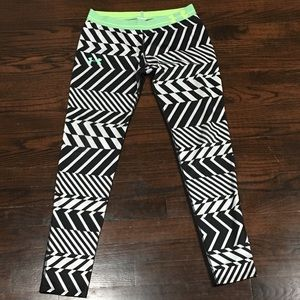 Under Armour white/black leggings size S
